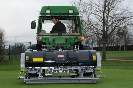 Course manager at Ombersley GC Andrew Halfpenny gets to grips with his limited edition Terra Spike GXi8 HD. The uniquely painted platinum aerator helped Wiedenmann UK raise over £20,000 for charity last winter