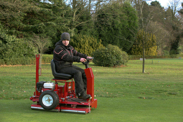 Smooth operator – Moor Hall's new Toro GreensPro in action