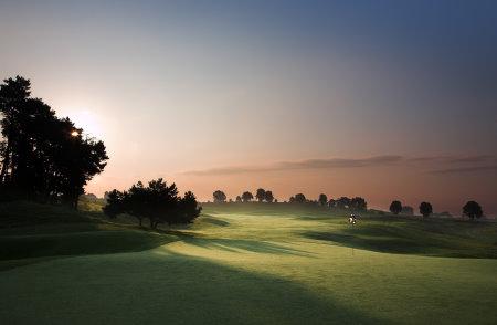 hole 6 Modry Las Golf Club