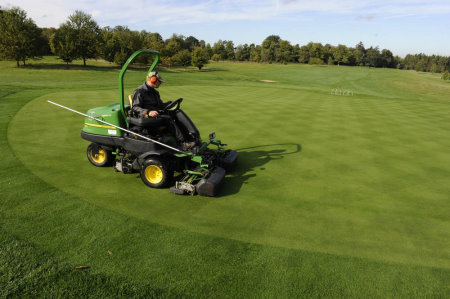 Greens mowing - clipping removal