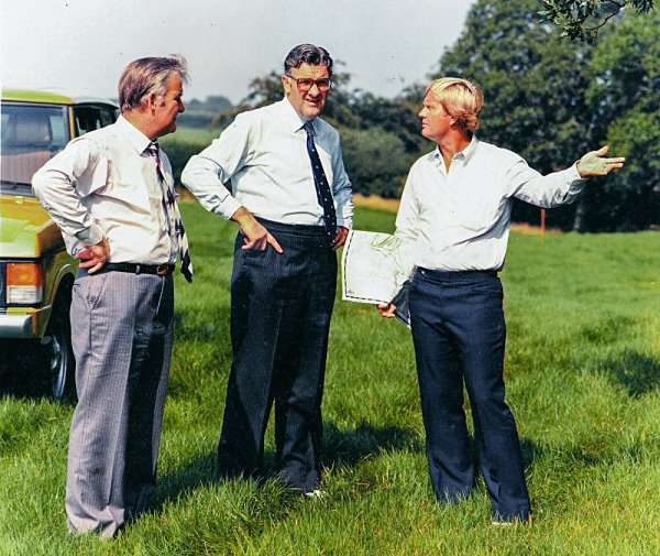 MartinBond (l) Hermon Bond, and JackNicklaus (r) during St Mellion construction in 1983