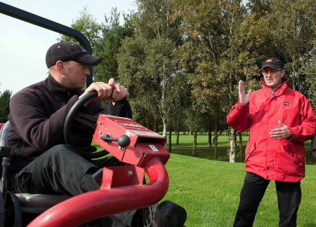 Toro's European training manager Ian Sumpter provides one-to-one operator training on the RM3100-D