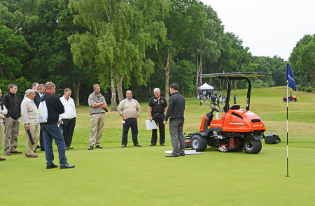 Karl Parry presents his findings on frequency of cut using a Jacobsen Eclipse 322