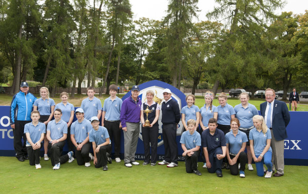 ClubGolf kids with the Captains and Commonwealth Games and Sport Minister Shona Robison. RyderCup Director Richard Hills is far right.