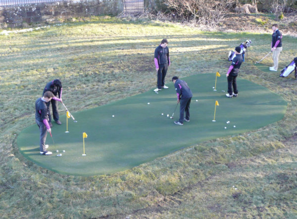 Frosty mornings are no longer problem for students in the ScottishHighlands and Islands, thanks to a new Huxley Golf all-weather putting green