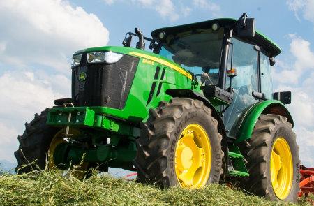 New John Deere 5095E tractor