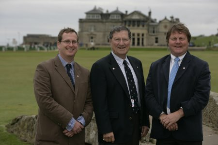 Tim Lobb, Peter Thomson & Ross Perrett at The Home of Golf (first published on GBN in January 2014)
