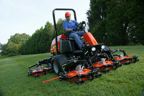 Jacobsen expects products like the new AR722T™ contour rotary mower to help continue the company's recent success into 2014 and beyond. The new mower boosts productivity with class-leading power, exceptional contour following and cutting width flexibility