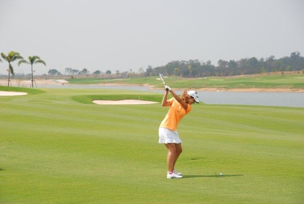 Siam CC Waterside Course Beatriz Recari Hole 1