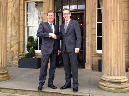 Keith Pickard (left), Group Director of Golf for De Vere, shakes hands on the project with Duncan Rougvie, Account Director for Teeofftimes.co.uk
