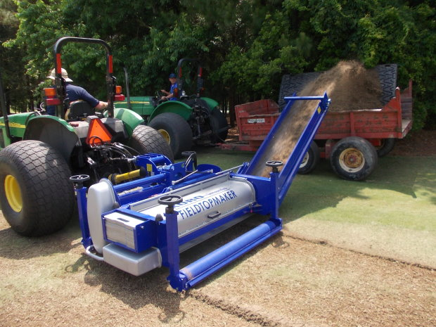 Koro Field Top Maker at work