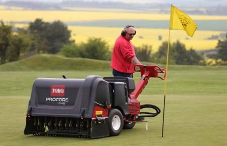 The Toro ProCore 648 in action at High Post Golf Club