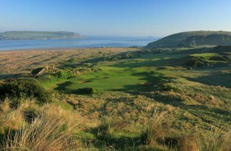 The par 5, 16th hole at the St Enodoc Golf Club
