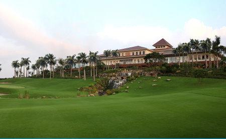 Club house at Sky Lake Golf Resort