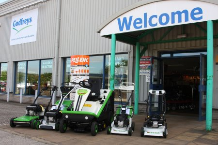 Godfreys Golf and Turf have been confirmed as Etesia's newest dealer for both Etesia mowers and Pellenc battery-powered tools to serve the Kent area