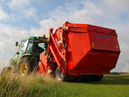 Luffness New Golf Club's Super 600 has around 30 hectares of rough to manage so chose the capacious Wiedenmann Super 600 with its 4500 litre tank.