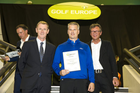 The new European Sales Manager for Adams Golf, Jost Schulze-zur-Wiesche, collects the award with Tony Bennett, Director of Education for PGAs of Europe (left) and Gerhard Reiter, managing director of Messe Augsburg (right)