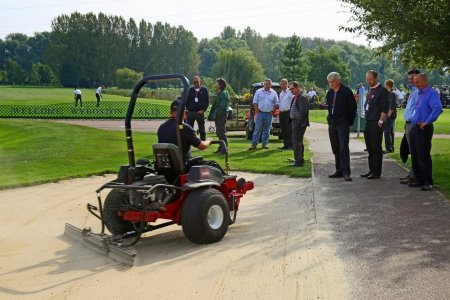 The Sand Pro 2040Z with zero-turn being put through its paces at Turfcare Live.