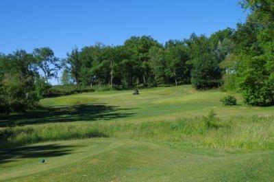Hole 14 of Tom Doak'sDomaine Golfique Du Grand Saint-Emilionnais
