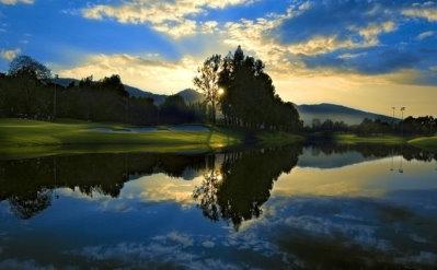 Kunming's Nick Faldo-designed Lakeview Golf Club boasts some spectacular holes.