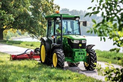 New John Deere 5085GF tractor