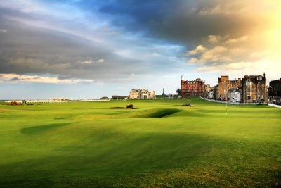 Old Course, St Andrews 17th Green in foreground