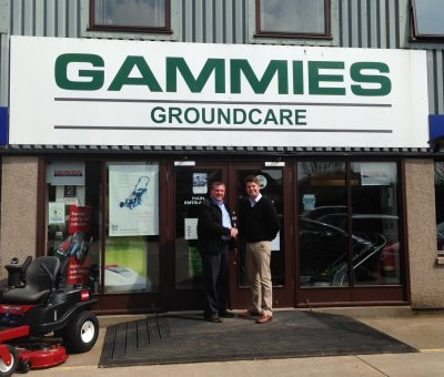 Les Gammie (left) of Gammies Groundcare pictured with Dougie Archibald (right) of Charterhouse.