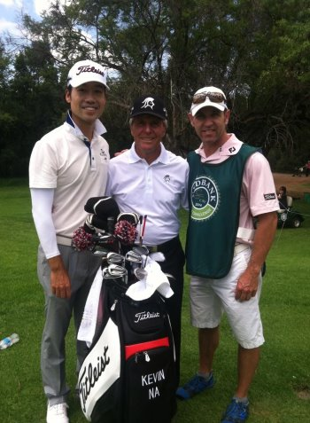 Kenny Harms with Kevin Na and Gary Player