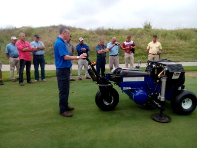 Dave Harrison demonstrates the Air2G2at Fancourt Links, George