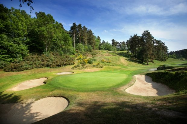 The 6th green at Hindhead Golf Club, member of the Southern Counties Heathland Golf Tou