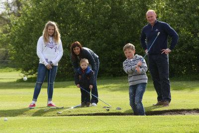 Celtic Manor Resort Caerleon Golf Club Martyn Williams & Family ©Steve Pope - Sportingwales