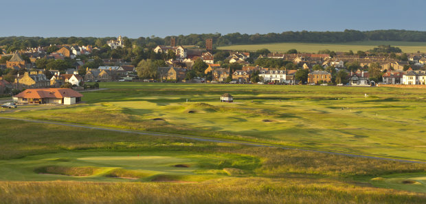 Hole 17 Gullane No.1 with clubhouse and part of the town in the background
