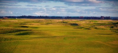 Royal Cinque Ports is supporting the Macmillan Longest Day Golf Challenge