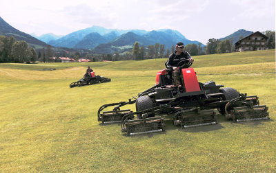 Two of the Jacobsen Fairway 405 mowers in action at Golf Club Ruhpolding