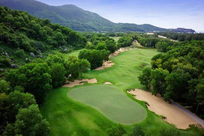 The seventh hole at Laguna Lăng Cô Golf Club