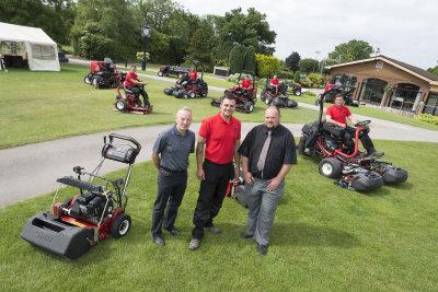 John Garey, course chairman, Karl Williams, and Lely's Jon Lewis, with the club's greenkeeping team and new Toro fleet