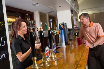 Free pints being served for quick golfers