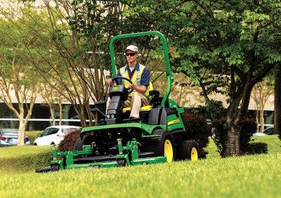 John Deere 1580 TerrainCut front mower
