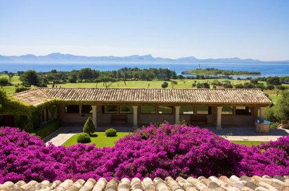Mallorca boasts more than 20 top-class courses, including the Robert Trent Jones-designed, Club de Golf Alcanada