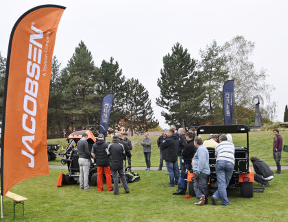 ITTEC staff introduce the Jacobsen Truckster cylinder grinder and MP batwing rotary mower