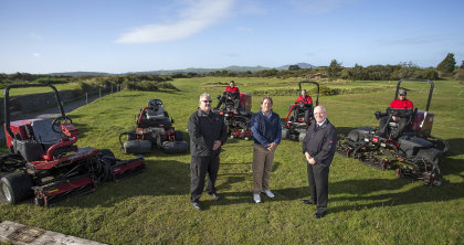 Stuart Pilkington, Pwllheli course manager, in the middle with Glyn Hughes from dealer Major Owen on the left and Lely's Nigel Lovatt, with the club's Toro fleet