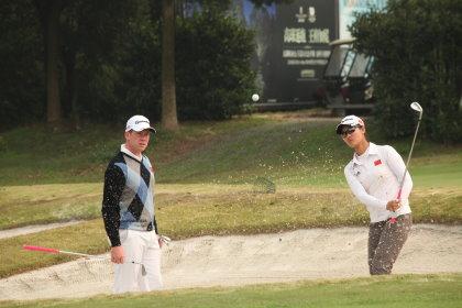 Michael Dickie coaching Lin Xi Yu