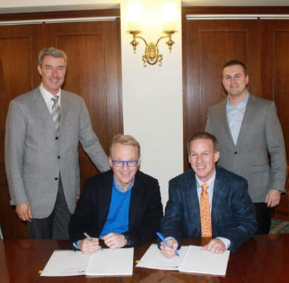 (from left) Andy Brown, The Toro Company; Keith Pelley, European Tour; Darren Redetzke and Greg Janey, The Toro Company