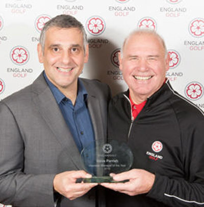 Steve Parrish – Volunteer Manager of the Year, pictured (right) receiving his award from Toni Minichiello, coach to Jessica Ennis-Hill and conference keynote speaker (© Leaderboard Photography)