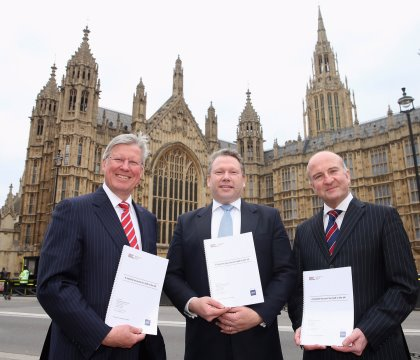 Martin Slumbers, Chief Executive of The R&A, Karl McCartney JP MP, Chair of the All-Party Parliamentary Group for Golf, and Professor Simon Shibli, Head of the Sport Industry Research Centre at Sheffield Hallam University, launch the new report (photo The R&A)