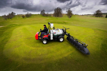 Ogbourne Downs has taken delivery of a Toro Multi-Pro sprayer 1750 (pictured), plus a Toro Groundsmaster 4500-D and Greensmaster 3250-D