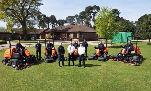 Lee Carratt and his Greenkeeping team with Harvey Doughty and Burdens representative, Simon Thompson
