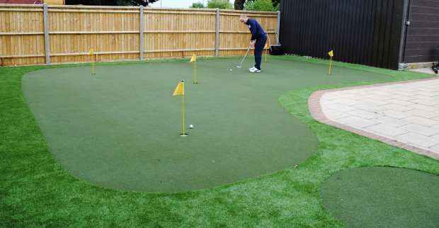 Huxley Golf putting coaching zone at Portsmouth Golf Centre