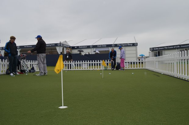 Huxley Golf putting green at the 2015 Open Championship (© Huxley Golf)