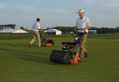 Oakmont Country Club's maintenance staff will swell to between 125-150 during the U.S. Open as volunteers come from all over the country